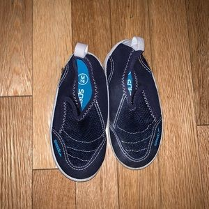 Water shoes for toddler size 7/8